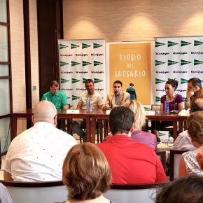Gran acogida para 'Elogio del gregario', el último libro del periodista salmantino, RobertoBenito