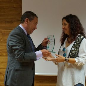 La ASPE recibe el reconocimiento del Centro de Referencia Estatal de Alzheimer de Salamanca por su compromiso para mejorar la información sobre laenfermedad